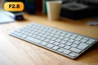 SEL55F18Zで絞りF2.8で撮影したキーボード