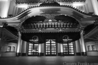 一眼レフで白黒撮影した歌舞伎堂