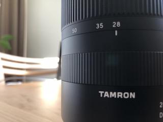 ソニーEマウント用フルサイズ対応標準ズームレンズ タムロン 28-75mm F:2.8 Di III RXD (Model A036)のレンズ鏡筒の拡大写真